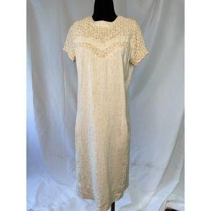 Comfy soft plus size vintage 1960s shift dress